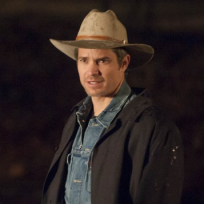 Timothy-olyphant-is-justified
