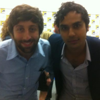 Simon-helberg-and-kunal-nayyar-at-comic-con