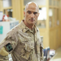 Elias-koteas-on-combat-hospital