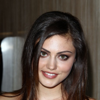 Phoebe-tonkin-photo