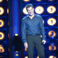 Nick-lachey-on-stage