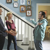 Josh-gad-on-modern-family