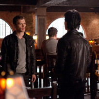 Klaus vs damon