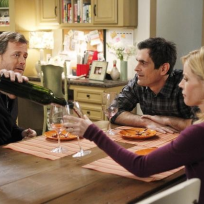 Greg-kinnear-on-modern-family
