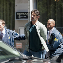 Joe-manganiello-on-white-collar