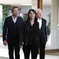 Malcolm mcdowell returns to the mentalist