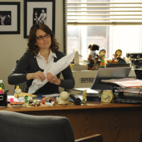 Liz-lemon-at-her-desk