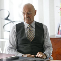 Terry-oquinn-on-666-park-avenue
