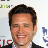 Seamus Dever Photo