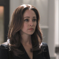 Autumn Reeser as Kylie Sinclair