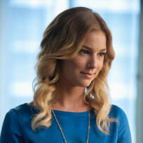 Beautiful Emily Thorne Photo