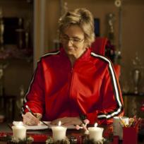 Sue Pens a Letter