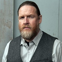 Donal-logue-as-lee-toric