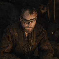 Richard Dormer as Beric Dondarrion