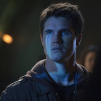 Robbie-amell-on-the-tomorrow-people