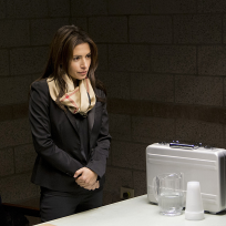 Sarah-shahi-on-poi