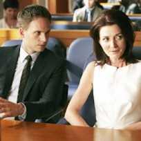 Michelle-fairley-on-suits