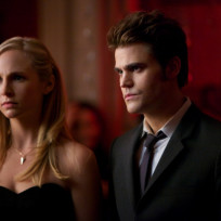 Should Stefan and Caroline date on The Vampire Diaries?
