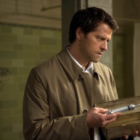 Castiel-with-a-needle