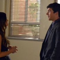 Will Aria believe that Ezra is A?