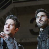 17-scott-and-derek-see-a-wire-break