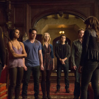 The-vampire-diaries-gang