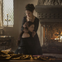 Amy-brenneman-on-reign