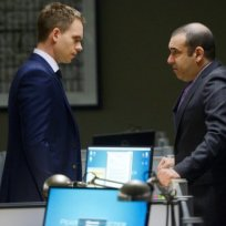 Confrontation-on-suits