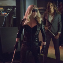 Laurel Has Canary's Back!