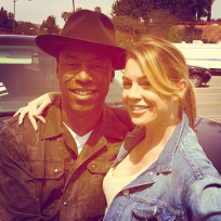 Isaiah washington on set