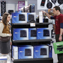 Sheldon-shops-for-new-gaming-system