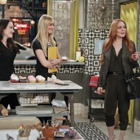 Lohan-on-2-broke-girls