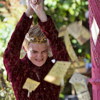 King-joffrey-with-a-sword