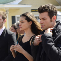 Hayley-elijah-and-klaus-in-black