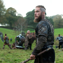 Ragnar-lothbrok-mid-battle