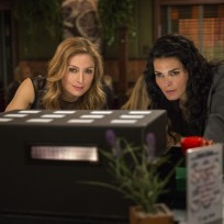 Rizzoli and isles investigate