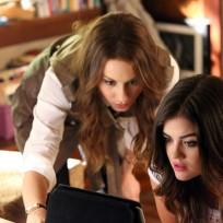Spencer and Aria Investigate - Pretty Little Liars Season 5 Episode 10
