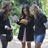 Mysterious Pages - Pretty Little Liars Season 5 Episode 10