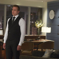 Disappointed-harvey-suits-s4e9