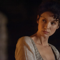 Deep-in-thought-outlander-s1e3
