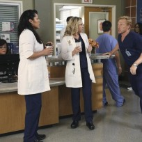 Go, Owen, Go! - Grey's Anatomy Season 11 Episode 1