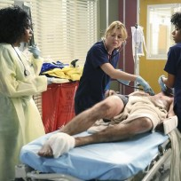 Meredith in Charge - Grey's Anatomy Season 11 Episode 1