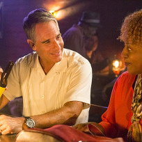 Enjoying-a-cold-one-ncis-new-orleans-s1e1