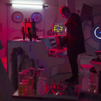 Checking-things-out-doctor-who-s8e4