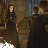 Reign Season 2 Premiere Photo