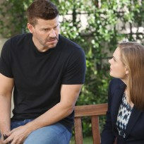 Brennan and Booth Discuss How They Will Interview a Witness - Bones Season 10 Episode 1