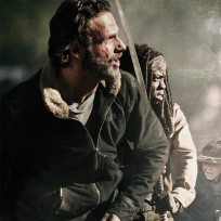 Rick and Michonne Prep for Battle - The Walking Dead