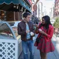 Mindy-with-danny-the-mindy-project-season-3-episode-1