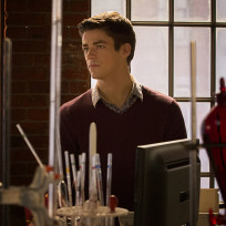 Barry at home the flash s1e1