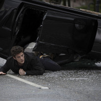 Ouch! - The Flash Season 1 Episode 1